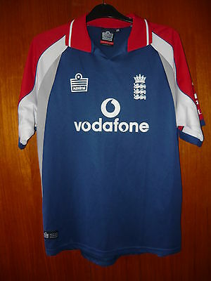 England Cricket Shirt Admiral size age 13/14 34/36