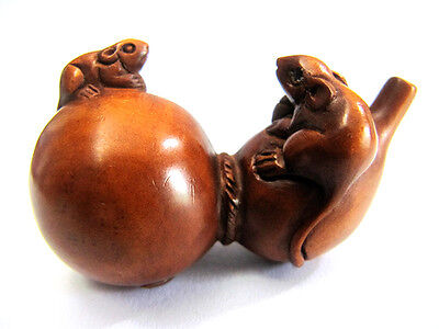"Y3564 --- 2"" Good Quality Hand Carved Boxwood Netsuke - 2 Mice on Gourd"