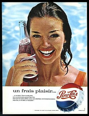 1964 Pepsi Cola pretty swimsuit woman with bottle photo vintage French print ad
