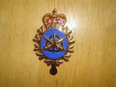 QC Canadian Cap Badge Land Electrical Mechanical Engineers nice