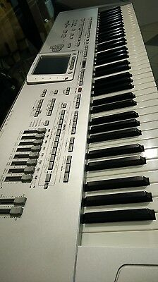Korg Pa1 X Pro 76 Keys Keyboard in Great Condition