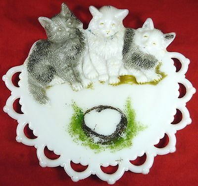 "Antique 1901 Westmoreland HP Milk Glass Three Cats Kittens Pattern HTF 8""d Plate"