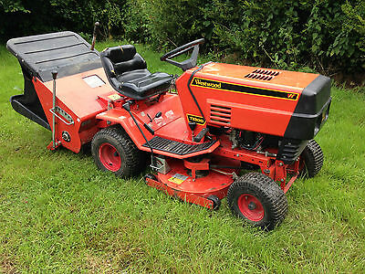 Westwood T1300 Ride on tractor lawnmower with collector