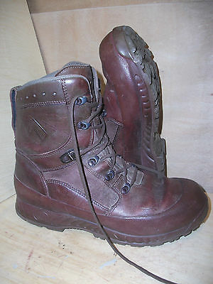 Size 11 genuine brown combat high liability haix boots! very good condition!