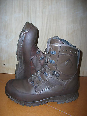 Size 8 genuine brown combat high liability haix boots! very good condition!