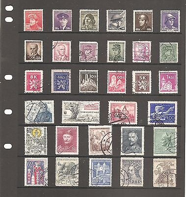 Nice Collection Of 32  Czechoslovakia    Fine Used   Stamps    (P21 )