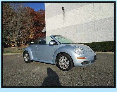 2009 Volkswagen Beetle-New Base Convertible 2-Door 09 VW Beetle Convertible Leather heated seats Clean Car fax New Tires