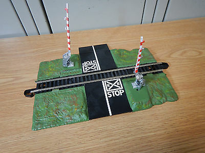 Bachmann HO Scale Train Dual Crossing Gate: 143-3027