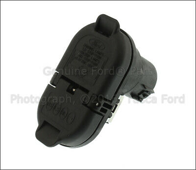 new ford f150 f250 f350 f450 4 7 pin trailer tow plug brand new genuine ford oem trailer tow harness connector 15 16 f 150