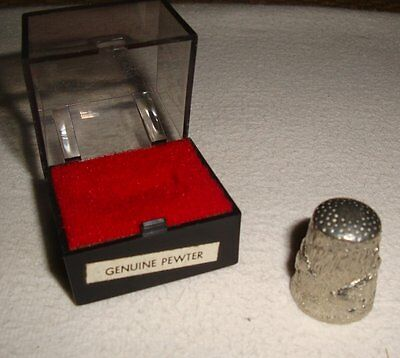 Vintage Pewter Thimble with Rabbits (Hares?) Design