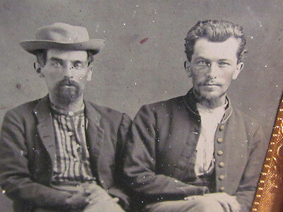 pair of Civil War soldiers in uniform tintype photograph in case