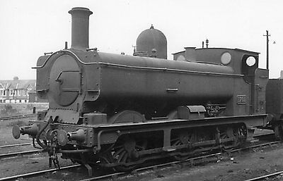 Photo GWR 0-6-0T 1709 at unknown location R/Photo by Real Photographs