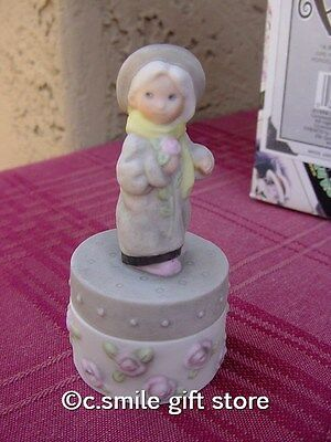 "PRETTY AS A PICTURE Kim Anderson ""Girl Standing Mini Covered Box"" #376620 Rt MIB"