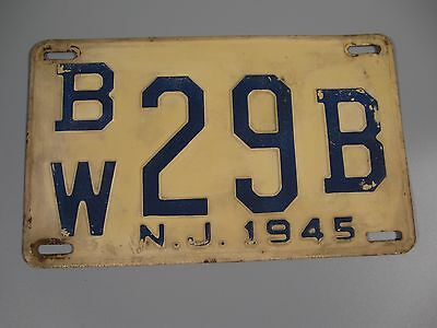 1945 NJ License Plate Number BW29B Blue Numbers