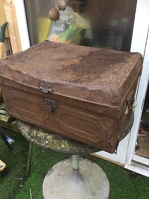 Rusty Antique Old Trunk,chest With Old Lock Old And Rusty Upcycle Prop Display