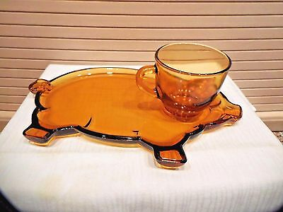 Tiara Amber Glass Pig Snack Plate & Cup
