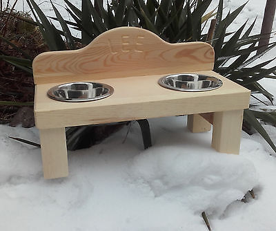 PERSONALISED WOODEN CAT/DOG STAND WITH TWO STAINLESS STEEL BOWLS 11cm