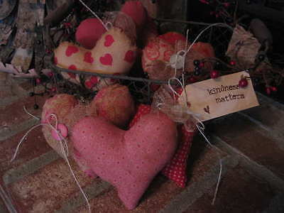 Primitive Hearts 6 Prim Decor Kindess matters cheesecloth buttons Bowl fillers