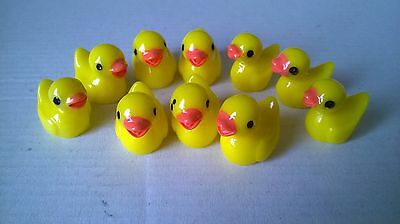 10 Ducks small yellow CRAFTS / DOLLS HOUSE MINIATURES (F1104)