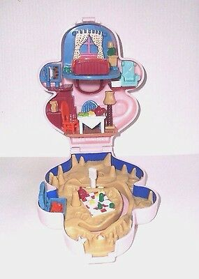Wallace & Gromit Polly Pocket Bluebird Playset - Wallace 1989
