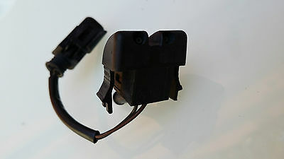BMW E46 Passenger Left Side WINDSCREEN WASHER NOZZLE JET 8374365 Saloon/Touring