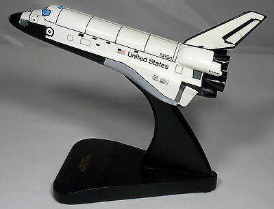 Nasa Discovery Space Shuttle Wooden Model On Stand 1/200 Toys & Models Corp