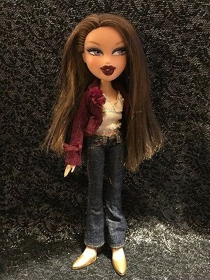 Bratz Doll Dana Passion 4 Fashion In Original Clothes & Gold Shoes