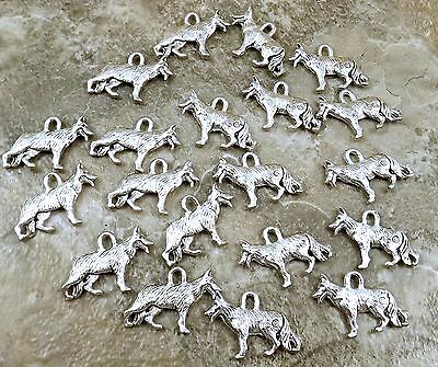 20 Pewter GERMAN SHEPHERD Charms - 5483