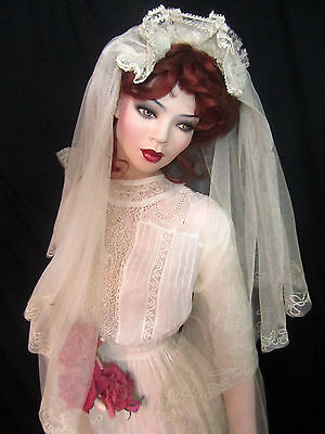 ANTIQUE Art Deco SWEEPING LONG embroidered net TULLE wedding VEIL lace crown