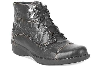 Clarks Whistle August Women's Leather Ankle Boots Style 67773 Black Scrunch