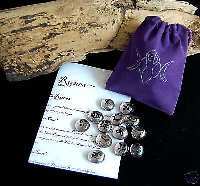 13 WITCHES RUNES & BAG Witch Wicca Pagan Goddess Rune