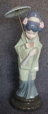 """Lovely Lladro """"oriental Spring"""" Japanese Geisha Girl With Parasol #4988 Retired"""