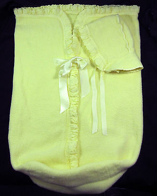 Baby Bunting & Matching Hat Vintage 1950's Yellow Fleece Zipper Front & Ruffle