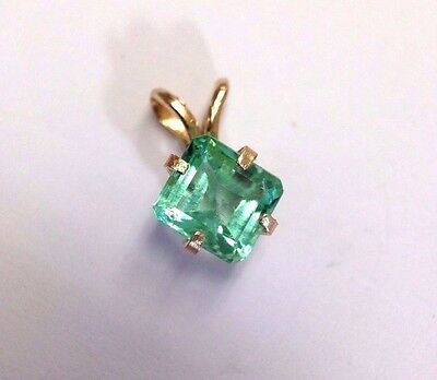 Shimmering! 1CT  Natural Colombian Emerald 14K Yellow Gold Solitaire Pendant