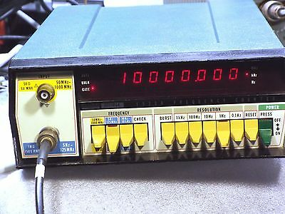 Fluke 1920A,  5Hz - 1000MHz Frequency Counter.