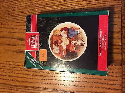 Hallmark keepsake ornament ~ sweet holiday harmony ~img #2473