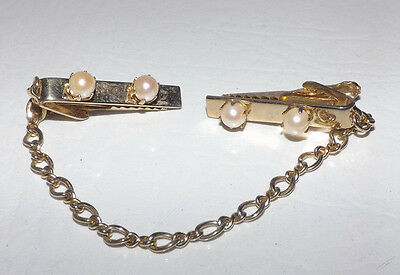 Vintage Faux Pearls Sweater Clip AA34K