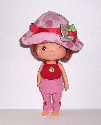 STRAWBERRY SHORTCAKE DOLL with SCENTED SMELL ONE EYE WINKING - BANDAI 2002