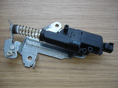 Ford Fiesta 2002 To 2010 / Fusion/ Boot/tailgate Central Locking Solenoid/motor