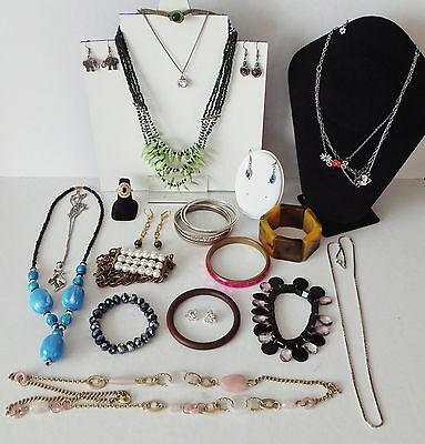 20 Items of Costume Jewellery inc Pretty Swatch Necklace