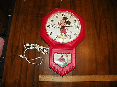 """Vintage Red ELGIN WELBY """"MICKEY MOUSE"""" Disney Schoolhouse Electric Wall Clock"""