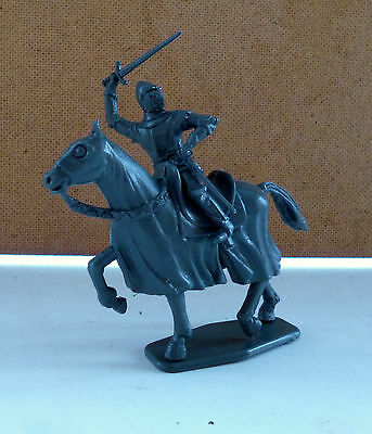 Revell O Accurate 100 Year's War French Knights Figura N. 2 Scala 1/35 Plastica