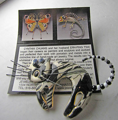 Cynthia Chuang Jewelry10 Arch Cat Black & White Porcelain Pin Brooch