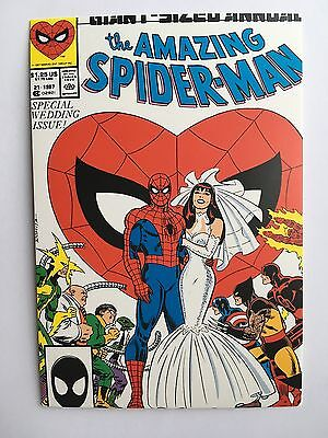 Carte Postale Postcard Marvel Comics The Amazing Spider Man Mariage