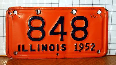 ILLINOIS - 1952 Motorcycle license plate - nice original condition as shown