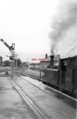 Photo  Sr 'terrier' 0-6-0T 32670 Havant 9/63 Dating From 1872 Blasts Out Of Hava