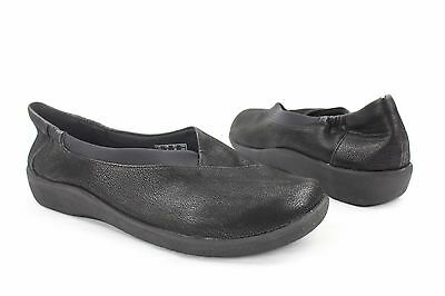 NEW Clarks Black Slip On Loafers Womens Size 8M