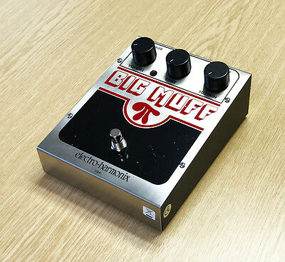 Electro Harmonix Big Muff Pi Classic Effects Pedal (PRE-OWNED)