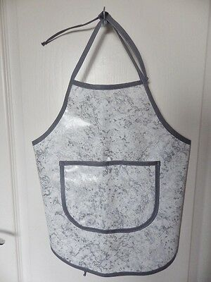Hand Crafted KIDS DESIGN OILCLOTH CHILDRENS COOK/CRAFT APRON: GREY/WHITE SWIRLS