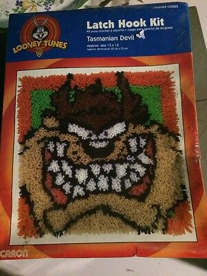 Looney Tunes LATCH HOOK Taz I WALL HANGING Rug 13 x 13  Caron Tasmanian Devil